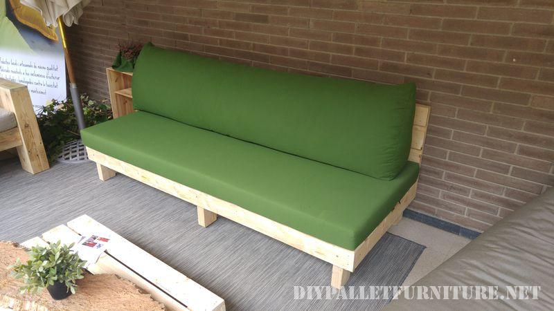 Canapés et fauteuils avec coussins d'origine recyclé 4