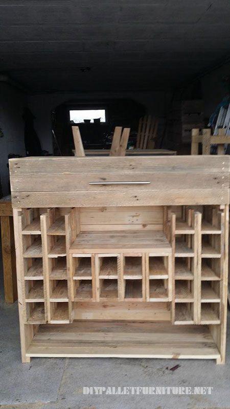 porte bouteilles et tiroirs avec des palettes 1meuble en palette meuble en palette. Black Bedroom Furniture Sets. Home Design Ideas