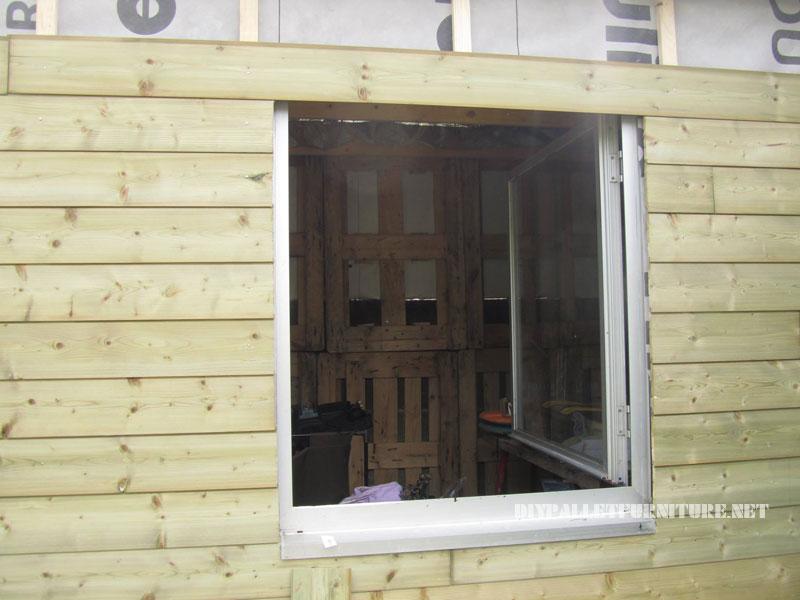 Structure bungalow faite avec palettes 3