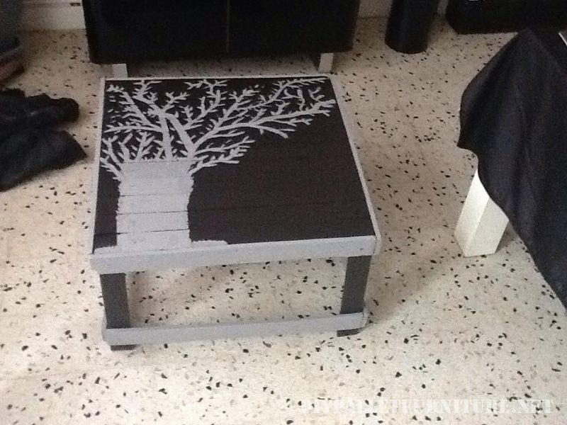 Table basse fabriqué à partir de tables de bois récupérés 1