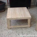 Table basse fabriqué à partir de tables de bois récupérés