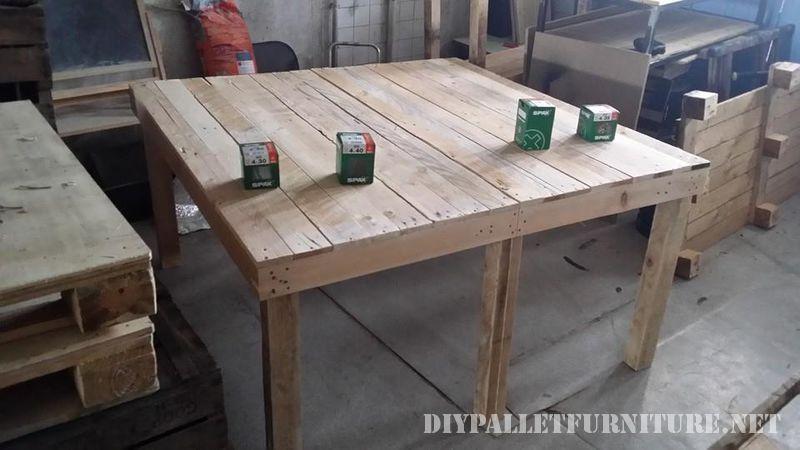 Table extensible pour la salle à manger avec palettes 2