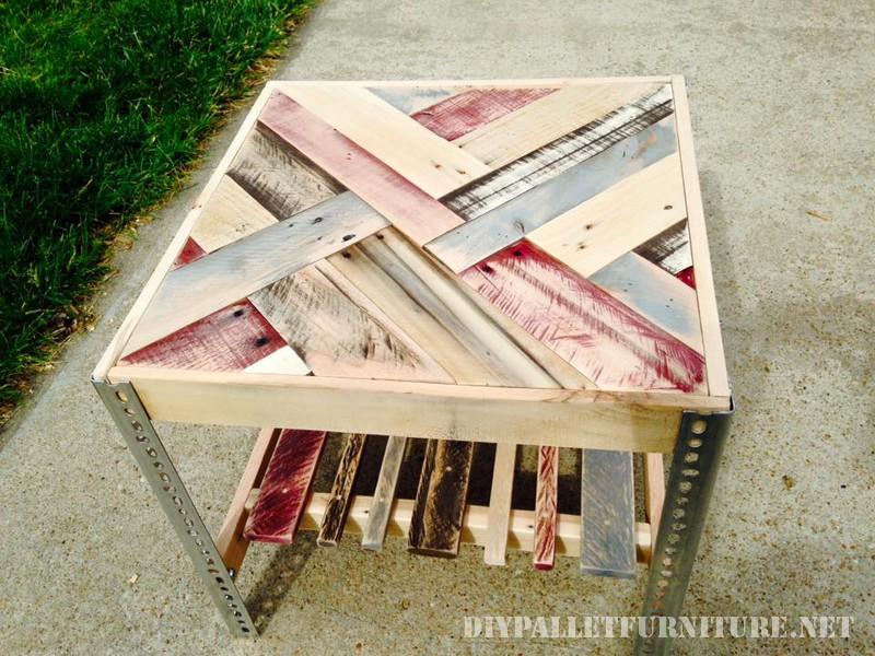 Tables avec frontières faite de palettes 5