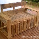 Sièges et chaises de la terrasse avec des palettes