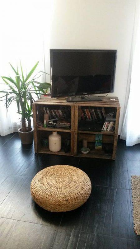 4 Meubles TV avec des boîtes de fruits 2