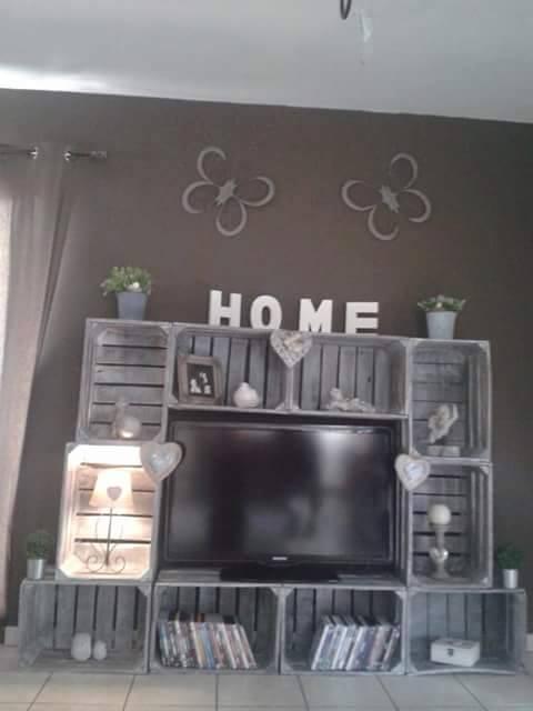 4 Meubles TV avec des boîtes de fruits 3
