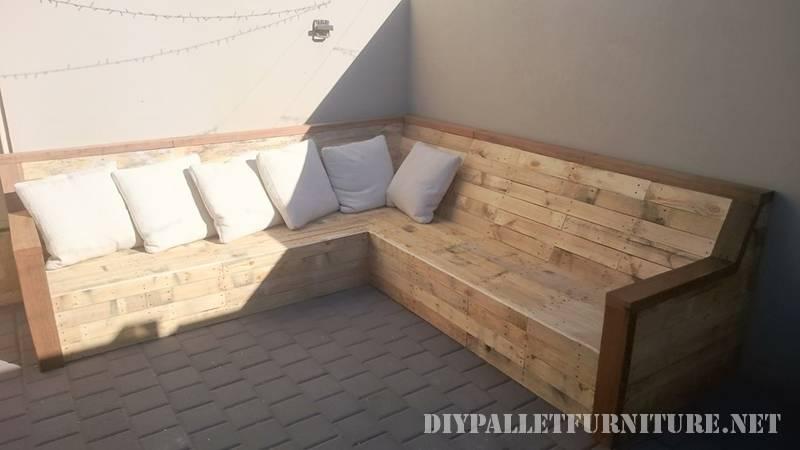 Canapé Dangle Avec Palettes PlanchesMeuble En Palette Meuble En - Canapé angle palette