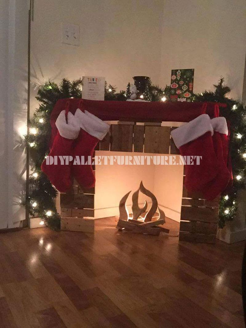 Cheminée de Noël avec des palettes 2