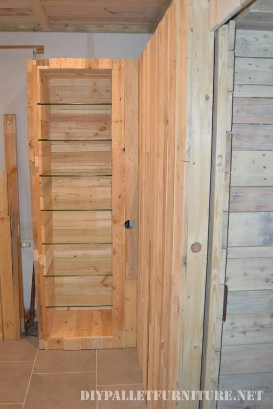 Grande salle de bain fait avec palettes 3