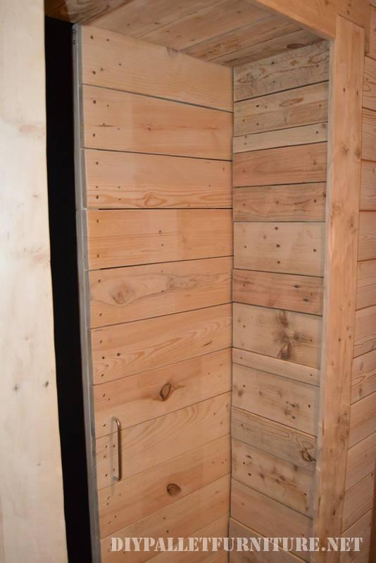 Grande salle de bain fait avec palettes 4