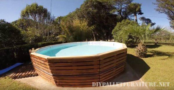 Vidéo de la façon de construire une piscine avec des palettes 1