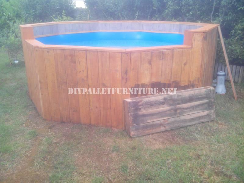 piscine faite avec palettesmeuble en palette meuble en. Black Bedroom Furniture Sets. Home Design Ideas