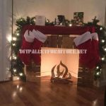 Cheminée de Noël avec des palettes