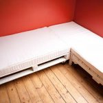 canap int ressant construit avec palettesmeuble en palette meuble en palette. Black Bedroom Furniture Sets. Home Design Ideas