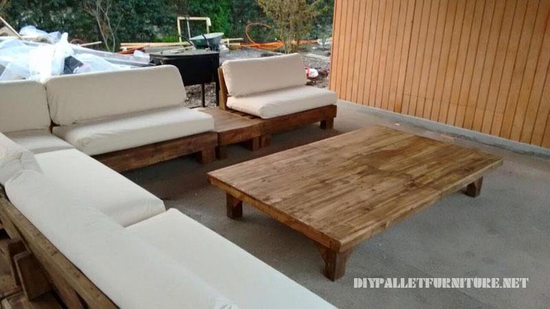 Espace barbecue meublé avec palettes 3