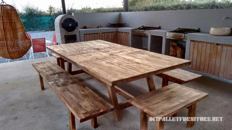 Espace barbecue meublé avec palettes 4