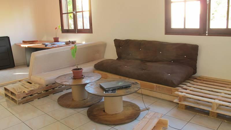 Facile salon meublé avec des palettes 5