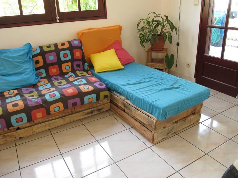 Facile salon meublé avec des palettes 6