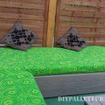 Meubles de patio avec des palettes