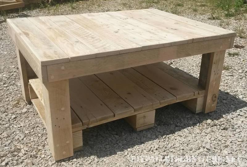 table basse avec palettes 1meuble en palette meuble en palette. Black Bedroom Furniture Sets. Home Design Ideas