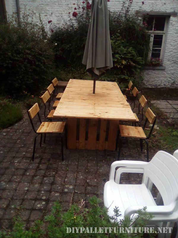 Table et chaises de jardin gazebo avec des palettes 4