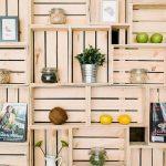 Commerce spectaculaire entièrement meublée avec des boîtes de fruits