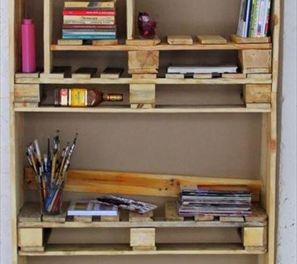 armoire palletmeuble en palette meuble en palette. Black Bedroom Furniture Sets. Home Design Ideas