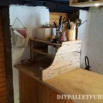 Armoire de cuisine auxiliaire avec palettes