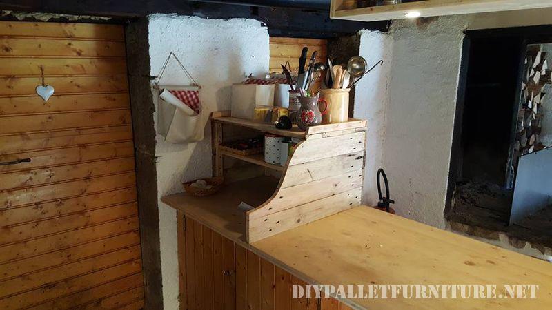 armoire-de-cuisine-auxiliaire-avec-palettes-1
