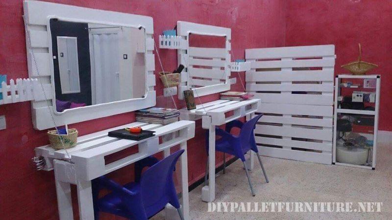 coiffeur equipee de mobilier de palettes bricolage 1meuble en palette meuble en palette. Black Bedroom Furniture Sets. Home Design Ideas