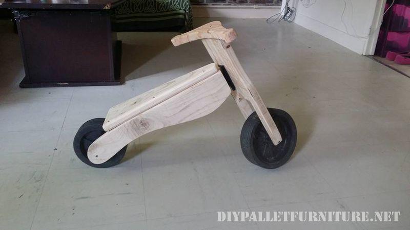 jouet-velo-avec-palettes-3