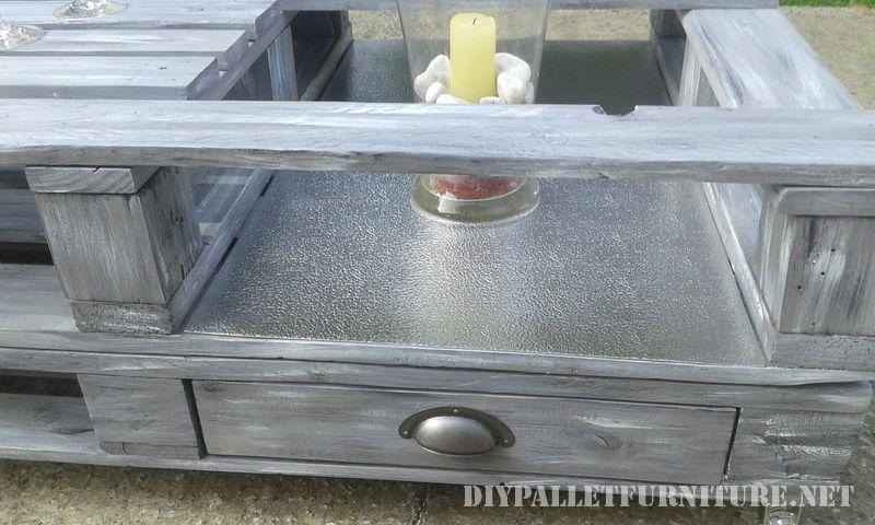 Petite table pour le jardin 1