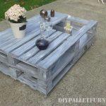 Petite table pour le jardin