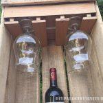 Set aficionado de vin avec une boîte de fruits