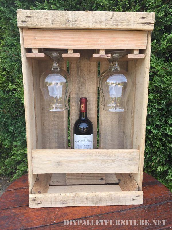 Set aficionado de vin avec une boîte de fruits 2