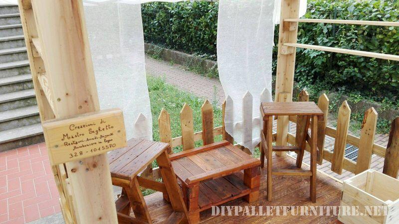 stands-pour-salons-construits-avec-des-palettes-2