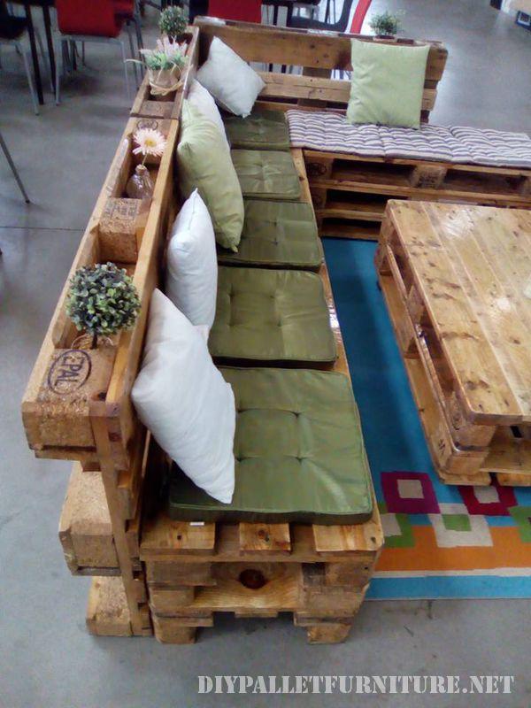 canape-salon-table-faite-avec-palettes-4