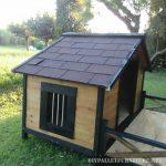 Doghouse avec un porche en palettes