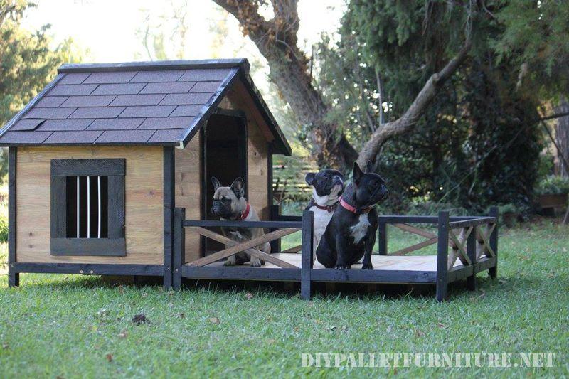 doghouse-avec-un-porche-en-palettes-2