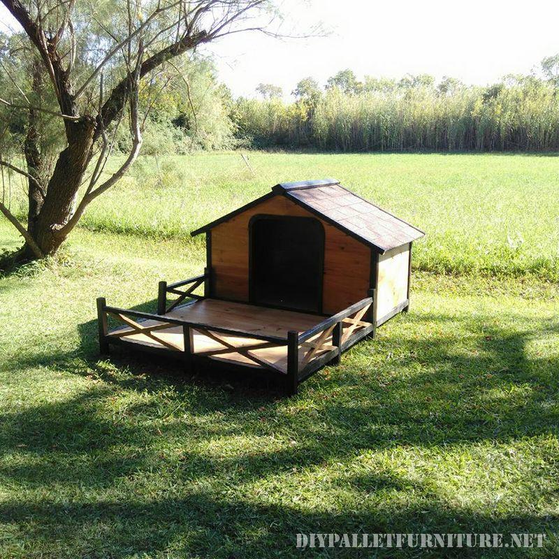 doghouse-avec-un-porche-en-palettes-3