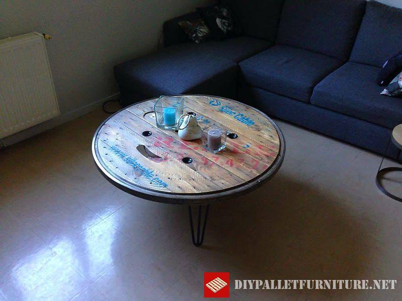 tables-en-utilisant-le-haut-dune-bobine-en-bois-2
