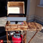 Barbecue à gaz avec palettes