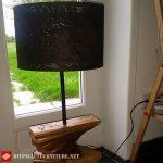 Lampe de palette utilisant des planches de palette