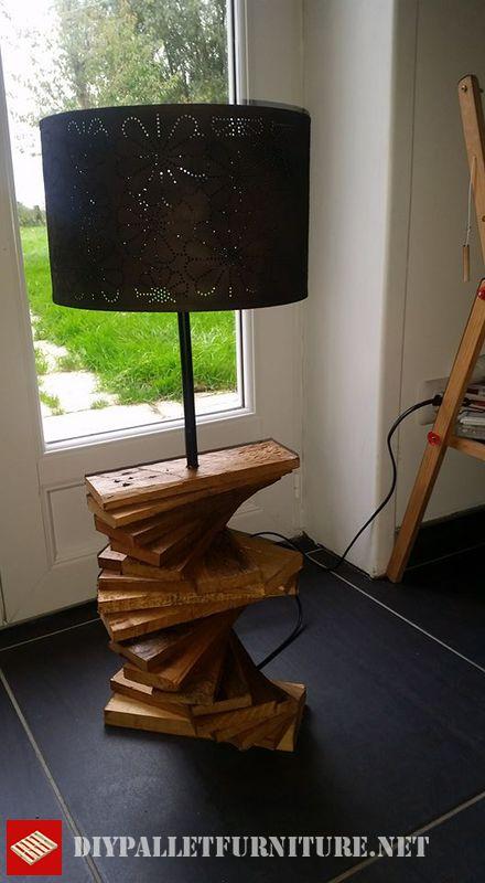 lampe-de-palette-utilisant-des-planches-de-palette-3
