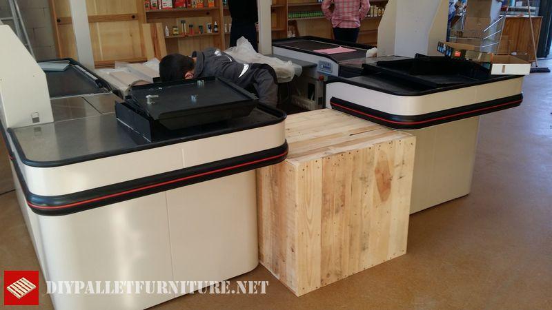 magasin-biocoop-meuble-avec-palettes-1