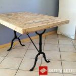 Table de cuisine adaptée avec palettes