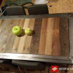 Table récupérée avec planches de palettes