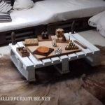 Canapé et table basse pour grenier