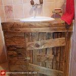 Salle de bains entièrement personnalisée avec palettes