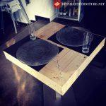 Tables de bar avec palettes